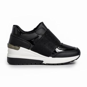 Γυναικεία μαύρα sneakers με πλατφόρμα και strass
