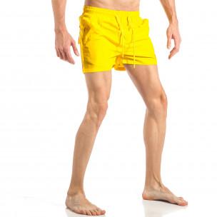 Ανδρικό κίτρινο μαγιό με ρίγες σε τρία χρώματα 2