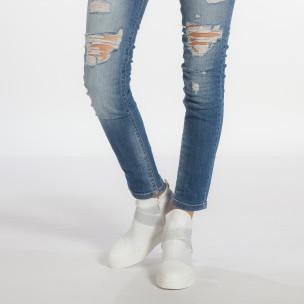 Γυναικεία λευκά ψηλά sneakers από συνδυασμό υφασμάτων με ασημένια διασκομητικά λαστιχάκια  2