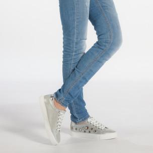 Γυναικεία γκρι sneakers από οικολογικό δέρμα με διακοσμητικές πέτρες 2
