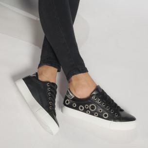 Γυναικεία μαύρα sneakers από οικολογικό δέρμα με διακοσμητικές πέτρες