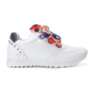 Γυναικεία λευκά αθλητικά παπούτσια από οικολογικό δέρμα με κορδόνια από σατέν