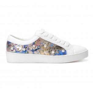 Γυναικεία λευκά sneakers από οικολογικό δέρμα με μοτίβο και πέρλες
