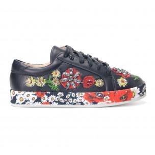 Γυναικεία μαύρα sneakers από οικολογικό δέρμα με κεντήματα και διακοσμητικές πέτρες  2
