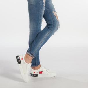 Γυναικεία λευκά sneakers από οικολογικό δέρμα με σχέδια