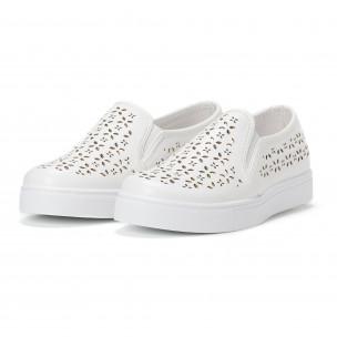Γυναικεία λευκά sneakers slip-on με διακοσμητικά σχέδια  2