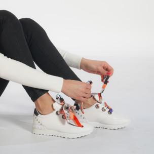 Γυναικεία λευκά αθλητικά παπούτσια από οικολογικό δέρμα με κορδόνια από σατέν 2