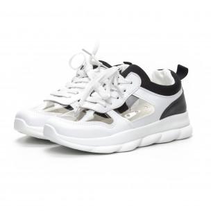 Γυναικεία αθλητικά παπούτσια με διαφάνιες σε λευκό και μαύρο 2