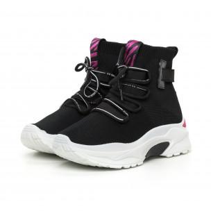 Γυναικεία μαύρα αθλητικά παπούτσια με ροζ λεπτομέρεια  2