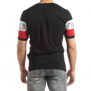 Ανδρική κοντομάνικη μπλούζα σε μαύρο και κόκκινο 2