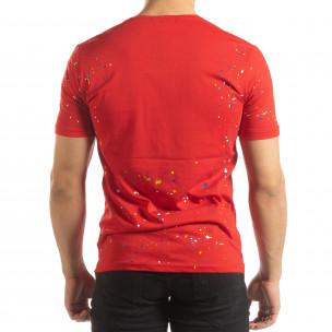 Ανδρική κόκκινη κοντομάνικη μπλούζα με διακοσμητικές πιτσιλιές μπογιάς  2