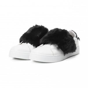 Γυναικεία λευκά Slip-on με μαύρες λεπτομέρειες  2