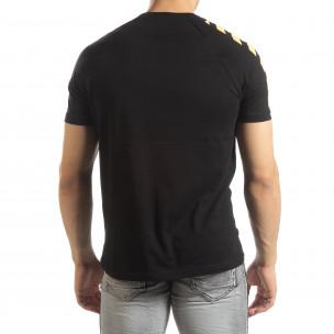 Ανδρική μαύρη κοντομάνικη μπλούζα με λεπτομέρειες στα μανίκια 2