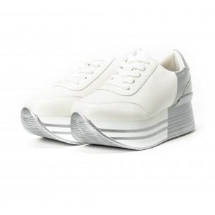 Γυναικεία λευκά sneakers με πλατφόρμα και ασημί λεπτομέρειες 2