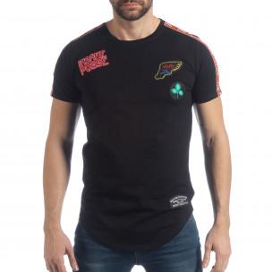 Ανδρική μαύρη κοντομάνικη μπλούζα με απλικέ