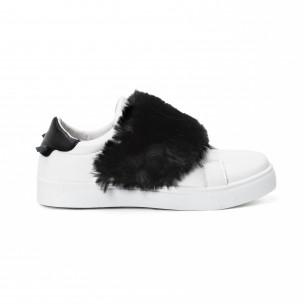 Γυναικεία λευκά Slip-on με μαύρες λεπτομέρειες