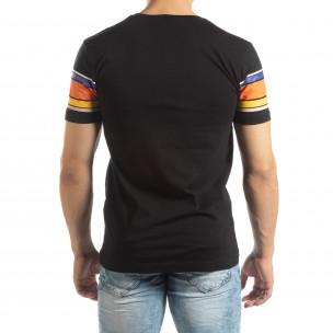 Ανδρική μαύρη κοντομάνικη μπλούζα με πολύχρωμες ρίγες 2