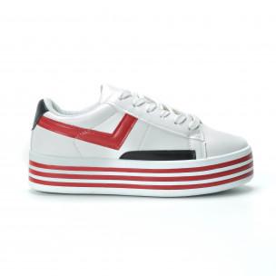 Γυναικεία λευκά sneakers με πλατφόρμα και πολύχρωμες λεπτομέρειες