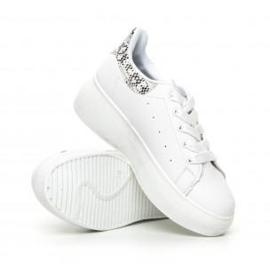Γυναικεία λευκά sneakers με πλατφορμα και πριντ  2