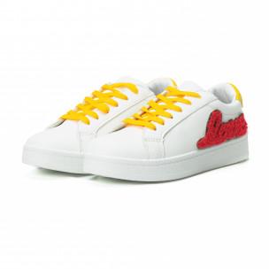 Γυναικεία λευκά sneakers με κίτρινα κορδόνια και κόκκινες λεπτομέρειες  2