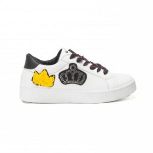 Γυναικεία λευκά sneakers με μαύρα κορδόνια και σχέδια