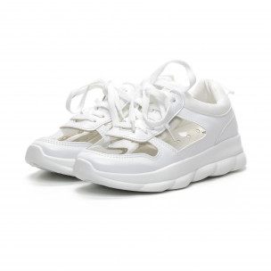 Γυναικεία λευκά αθλητικά παπούτσια με διαφάνιες  2