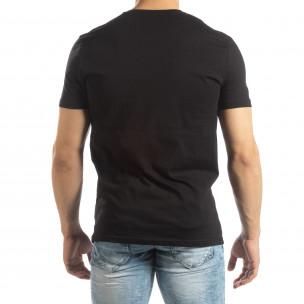 Ανδρική μαύρη κοντομάνικη μπλούζα με διακοσμητικά απλικέ  2