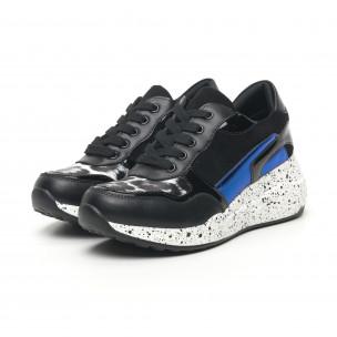 Γυναικεία μαύρα αθλητικά παπούτσια με λεπτομέρειες από λουστρίνι και μπλε  2
