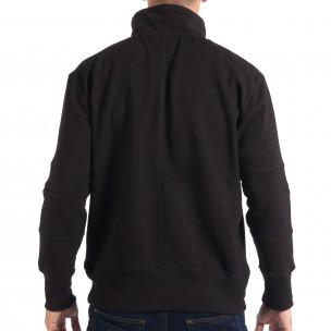 Ανδρικό μαύρο φούτερ με τσέπη καγκουρό RESERVED  2