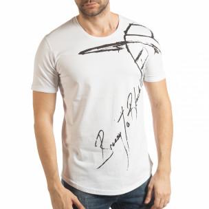 Ανδρική λευκή κοντομάνικη μπλούζα με καλλιγραφικό πριντ