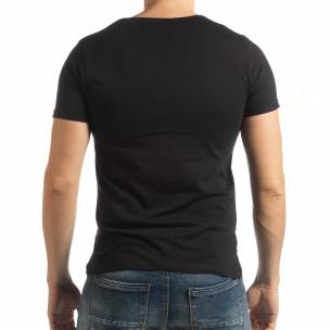 Ανδρική μαύρη κοντομάνικη μπλούζα με πριντ 1982  2