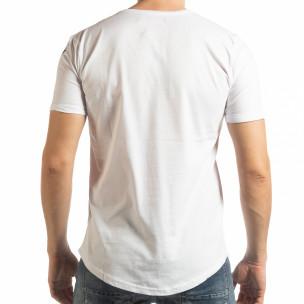 Ανδρική λευκή κοντομάνικη μπλούζα με καλλιγραφικό πριντ 2